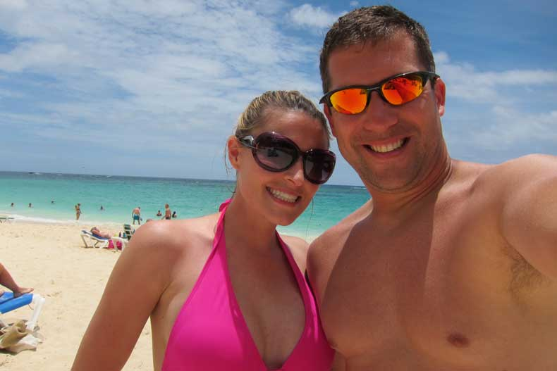 Caribbean vacation using mosquito repellent with essential oils