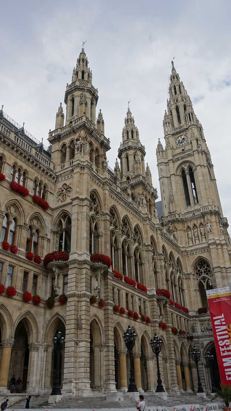 Rathuesplatz - Vienna in a day itinerary