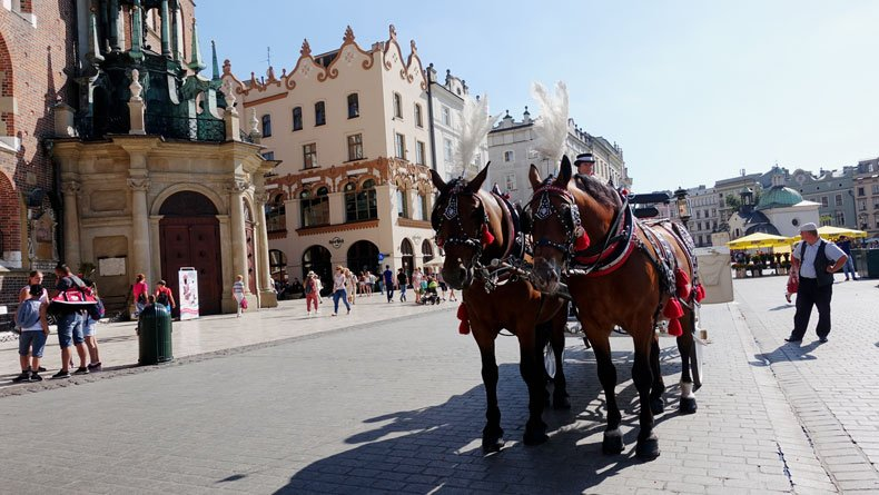 3 days in Krakow Poland - carriage ride in Old Town
