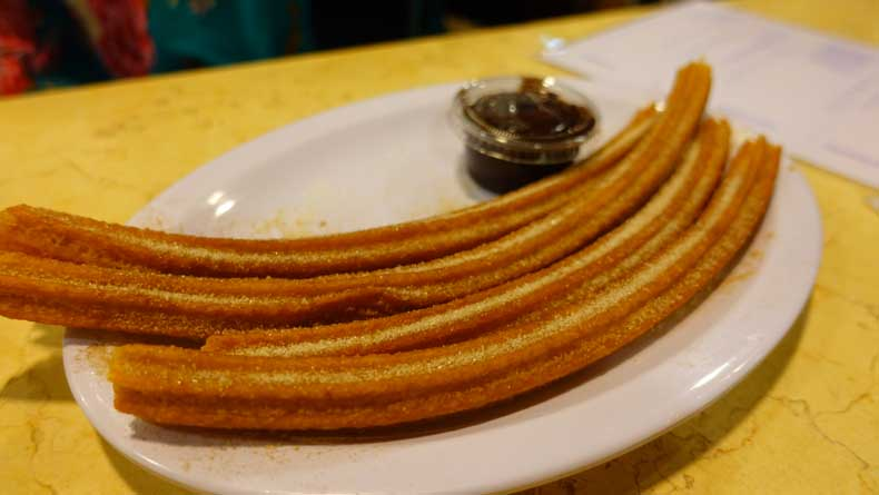 What to do in Mexico City - eat churros