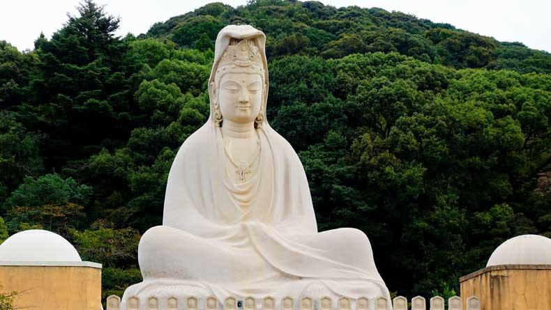 Kyoto 3 day itinerary - Giant Buddha Ryozen Kannon