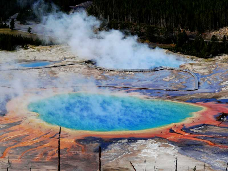 grand prismatic spring yellowstone tips