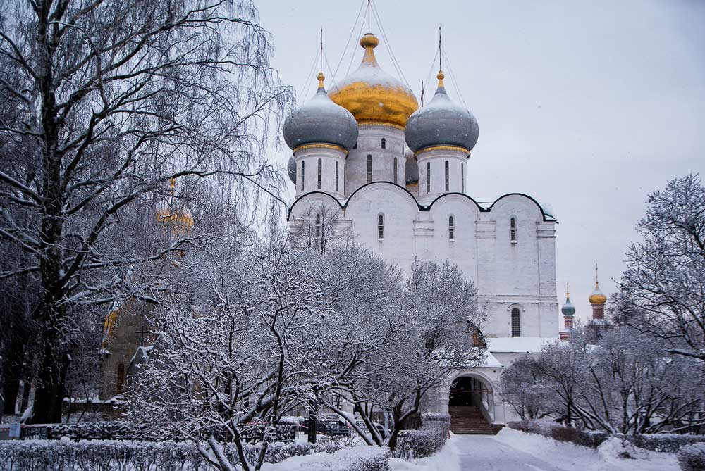 moscow in winter - beautiful snow-covered places