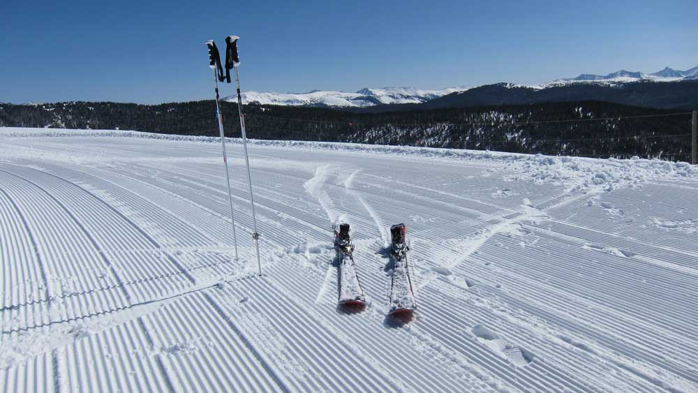 Skiing-terms-first-tracks