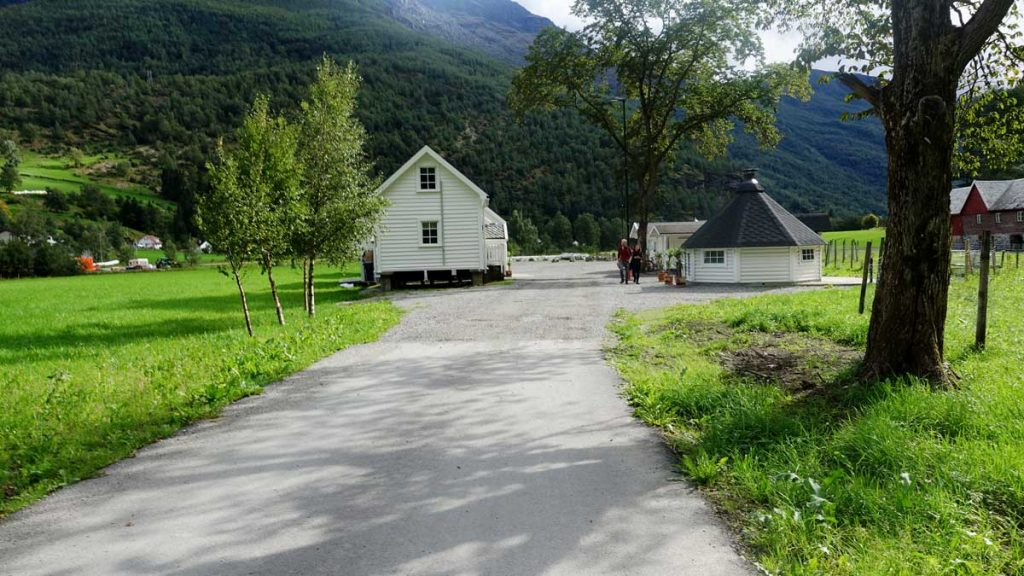 Brekke Apartments Flam Norway hotels