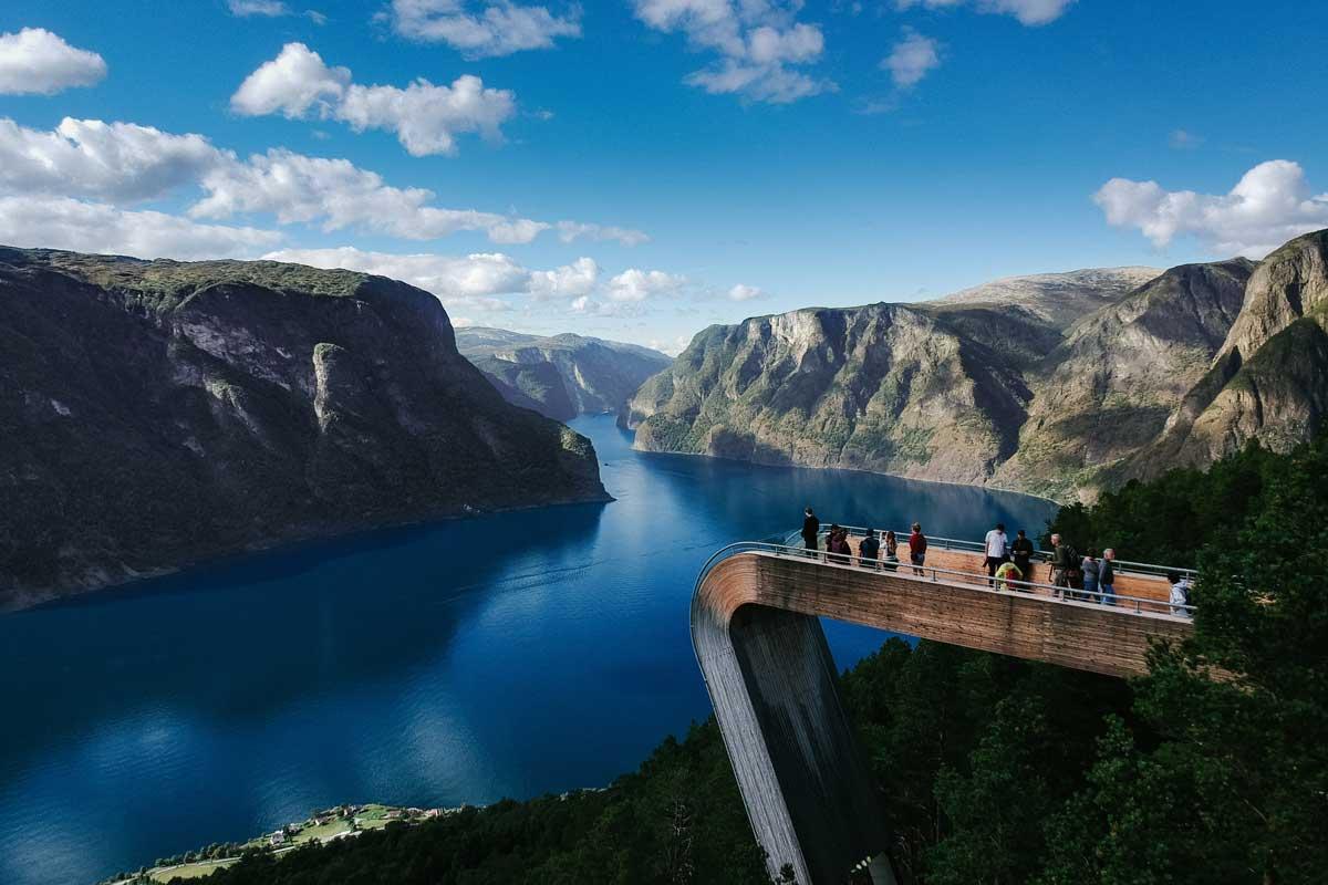 Things-to-do-in-Flam-fjord-viewing-platform-robert-bye-unsplash