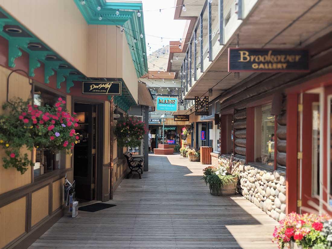 Jackson-Wyoming-shopping