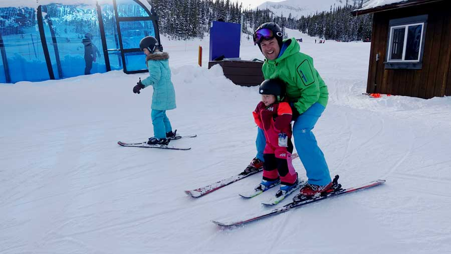 Teaching toddlers to ski - a parents guide to skiing with kids