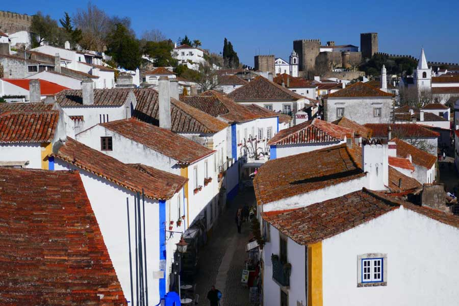 Day trips from Lisbon to Obidos Portugal