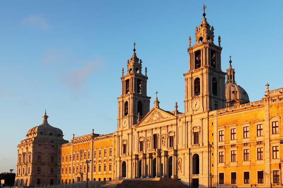 Mafra baroque palace