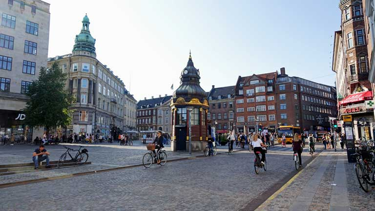 Europe road trip tips - plan to share the road with bicyclists