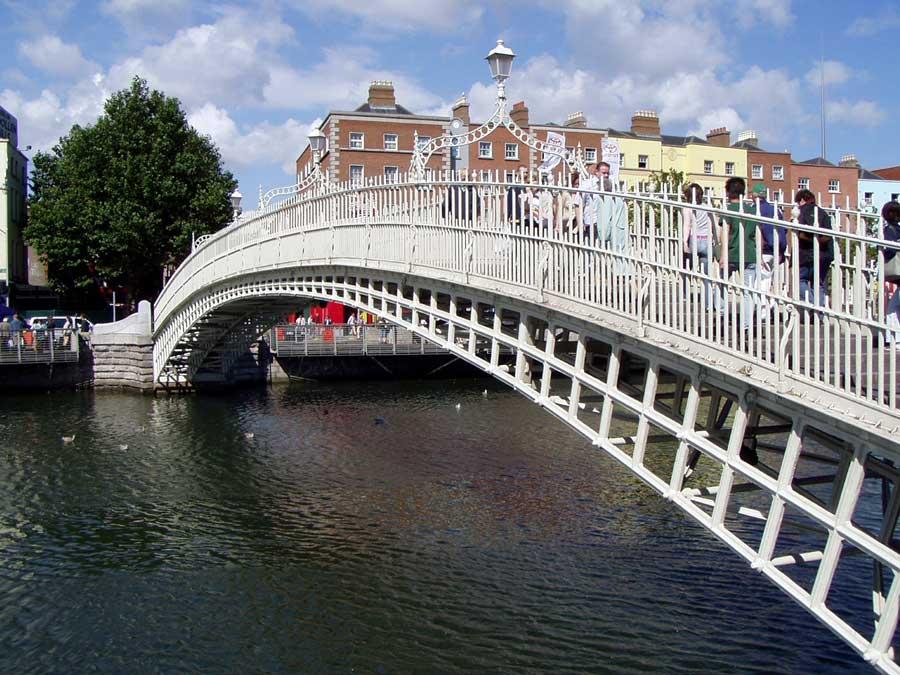 Ha'penny Bridge in Dublin, Ireland.