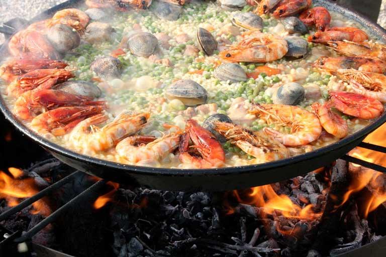 Paella, a Spain bucket list meal.