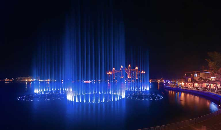 The Palm Fountain, the world's largest aquatic show and a great activity in Dubai with kids