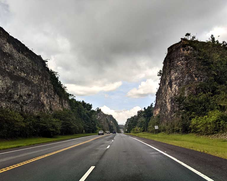 highway in Puerto Rico