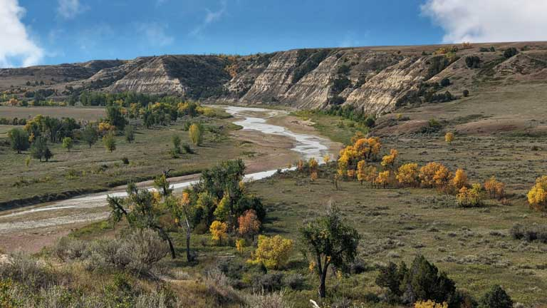 wind canyon trail in Theodore Roosevelt national park